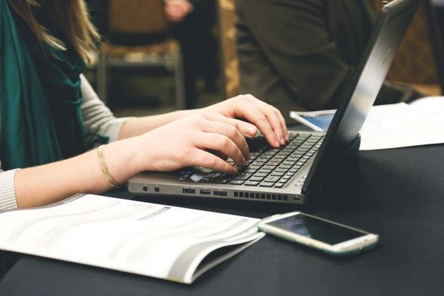 Memulai tulisan pada situs bisnis kadang memang membingungkan. 3 hal berikut, semoga dapat membantu Anda melakukannya